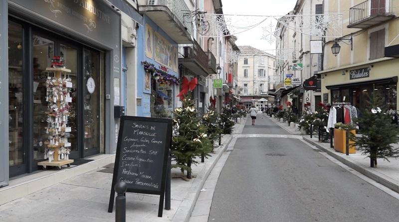 Rue commerçante à Orange
